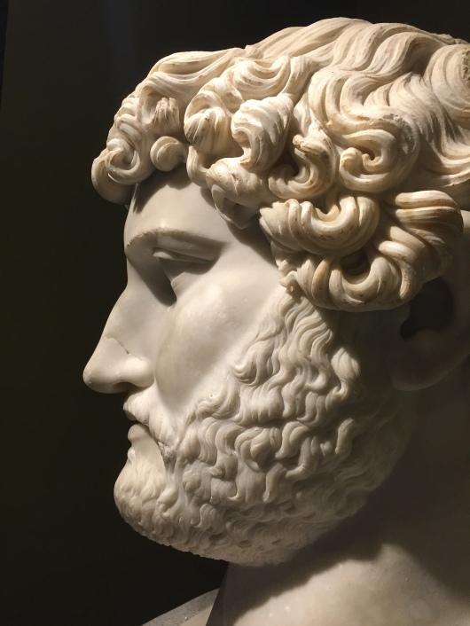 Hadrian büstü